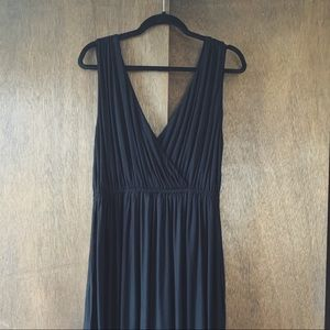 BR black maxi with pockets and double v-neck